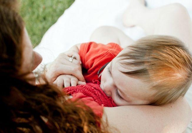 Alaptarea prelungita. Cum dezveti copilul de san dupa varsta de 2 ani?