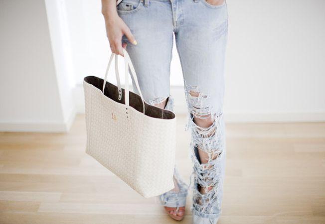Doua transformari uimitoare ale unei perechi obisnuite de jeans
