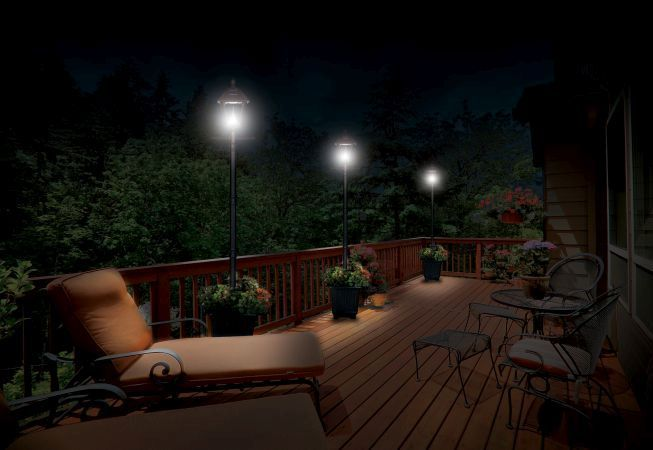 5 avantaje ale iluminarii gradinii sau terasei cu lampi solare