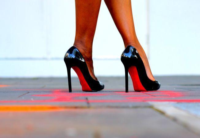 Invata sa porti pantofii cu toc fara sa te doara