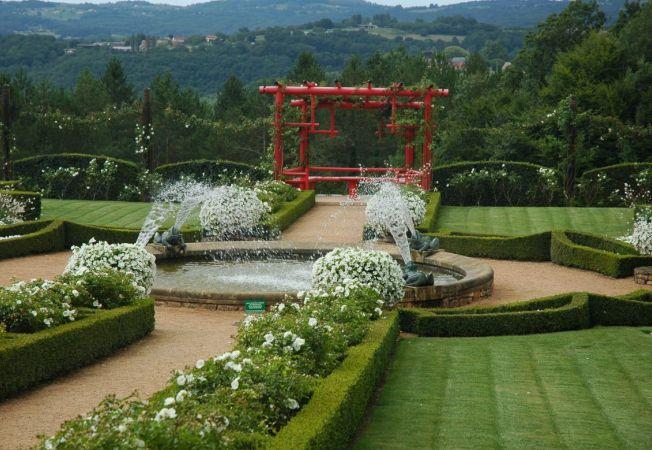 Cele mai frumoase gradini: Les Jardins Francais du Manoir D'Eyrignac