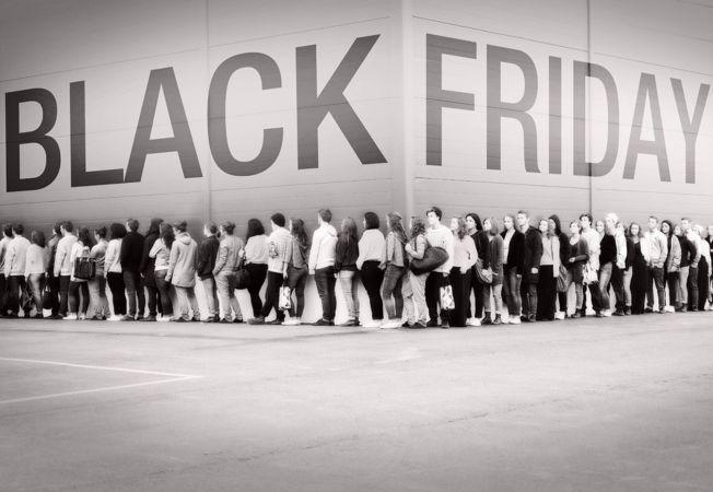 Se apropie Black Friday. Cum sa eviti pacalelile