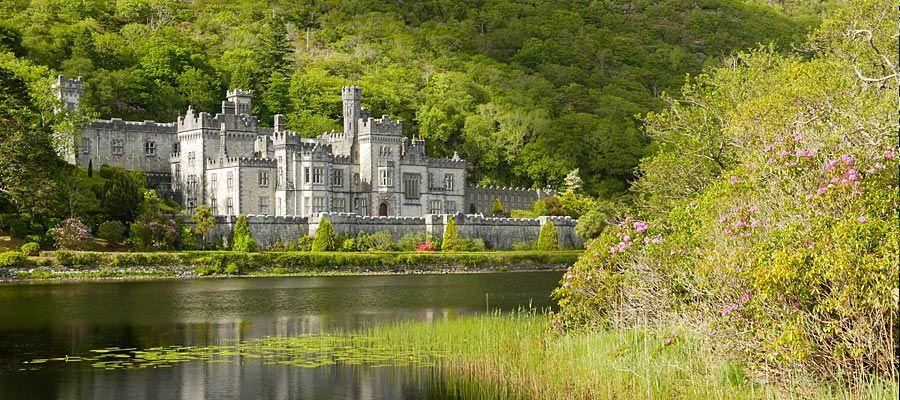 Cele mai frumoase gradini: Gradina Kylemore Abbey, mandria victoriana a Irlandei
