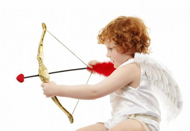 Horoscopul dragostei pentru anul 2015 - afla daca te va lovi sageata lui Cupidon!