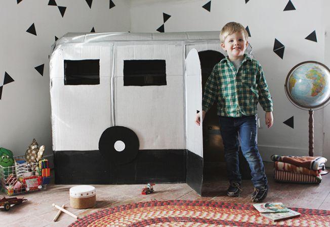 6 lucruri pe care le poti face din banale cutii de carton. Copiii vor fi fericiti!