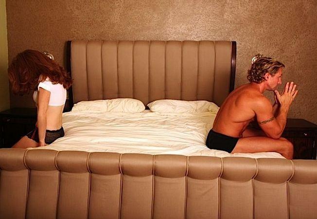 3 lucruri pe care trebuie sa i le spui partenerului, ca sa va imbunatatiti viata sexuala