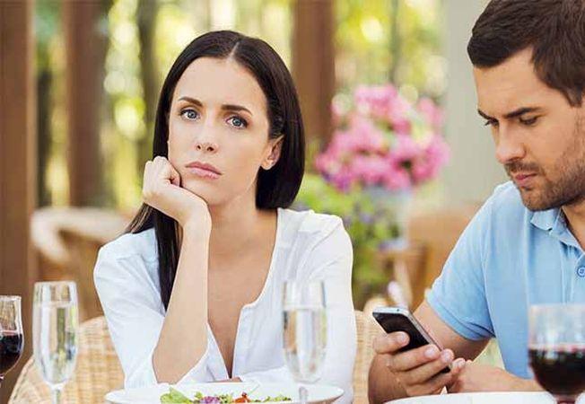 3 obiceiuri enervante ale partenerului pe care le afli doar dupa ce te muti cu el