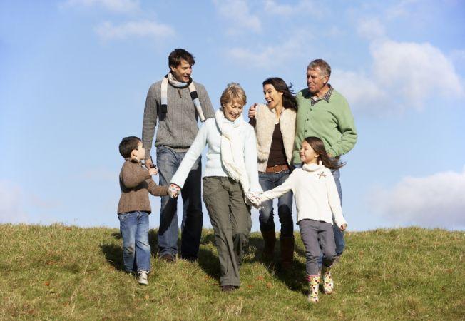 5 lucruri pe care fiecare parinte le poate face pentru a-si face copiii mai fericiti