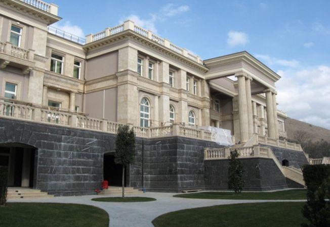 """Case de vedete: Iata cum arata palatul de un miliard de dolari al """"tarului"""" Putin!"""