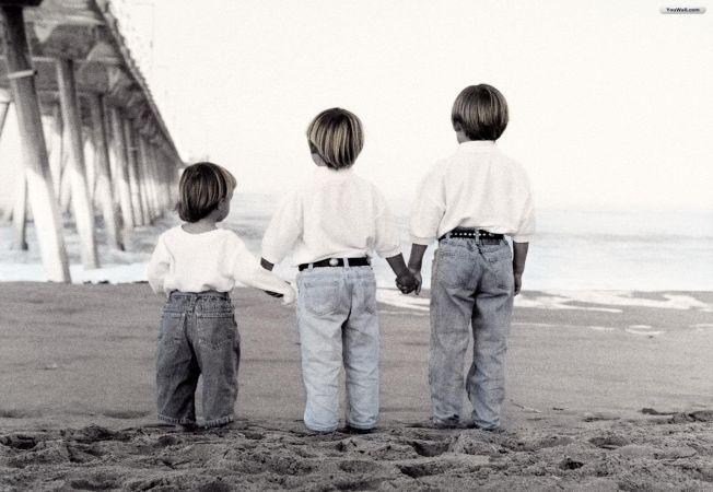 Al catelea copil esti la parinti? Afla cum iti influenteaza personalitatea