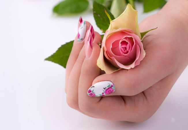 unghii vedete main