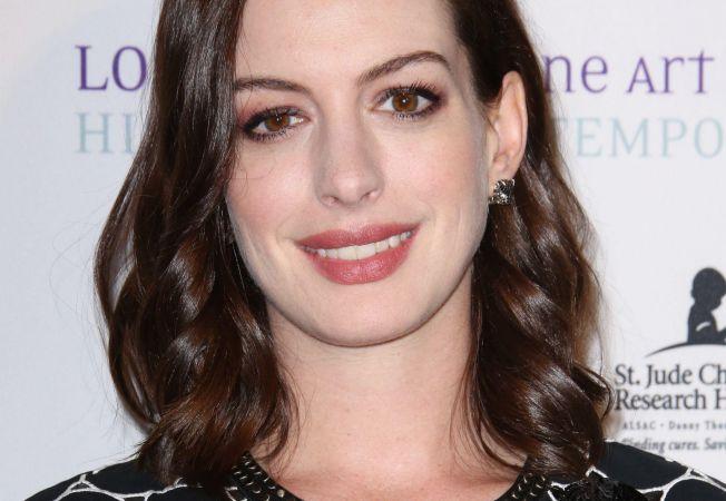 Anne Hathaway Hepta