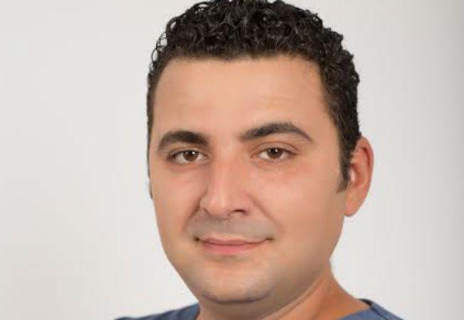 Expertul Acasa.ro, dr Bilal Takouzli, medic stomatolog, specialist in chirurgie dento-alveolara