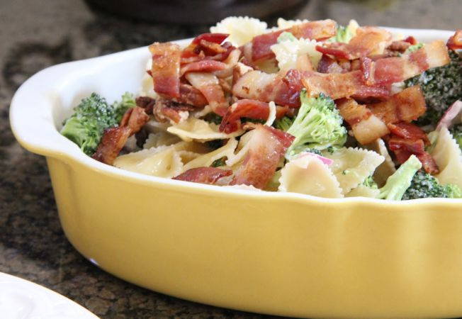 salata paste bacon broccoli
