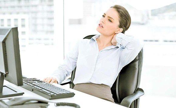 Cum atenuam durerile mainilor cand lucram la calculator?
