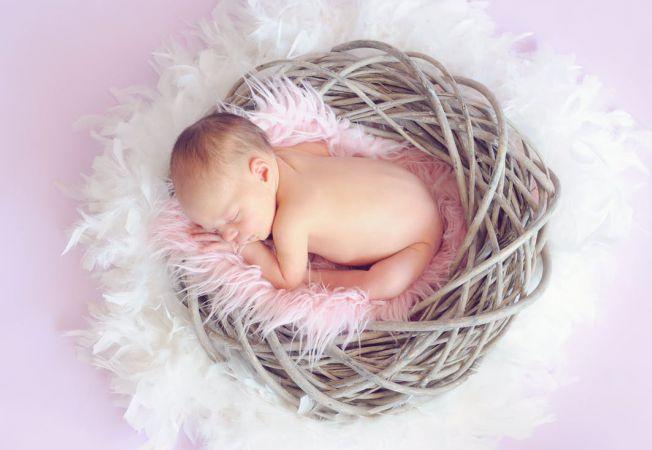 copil bebelus