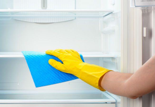 curatare frigider
