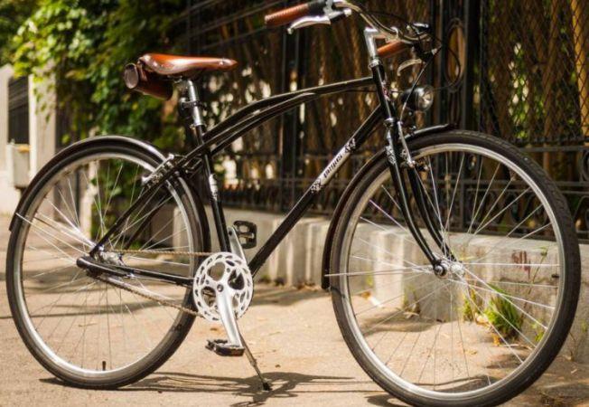 Accesorii din piele pentru bicicleta. Gama premium de la Pegas