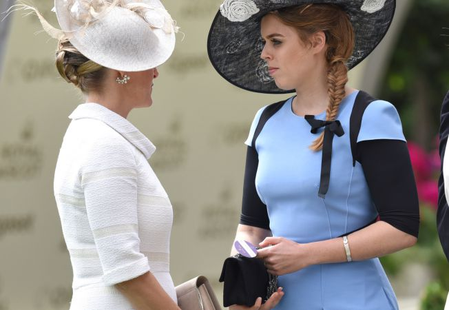 hepta dress code nunta regala