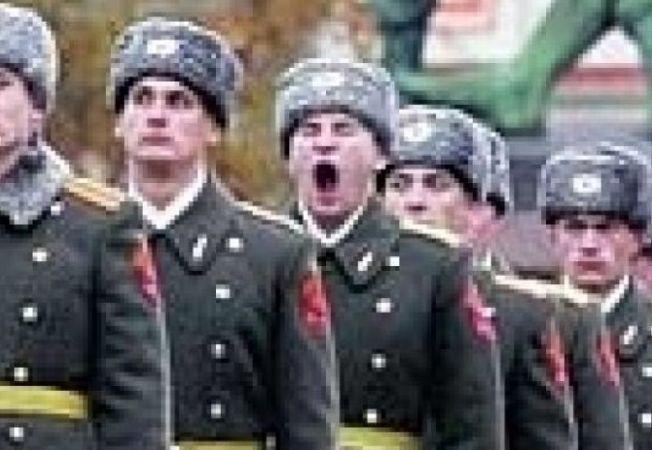 plictiseala la parada in rusia