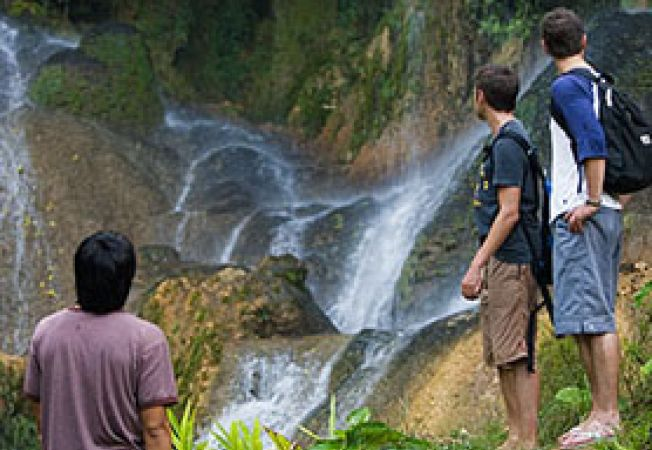 turisti cascada