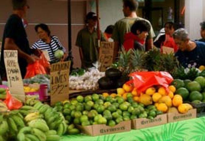 farmers-market Maui