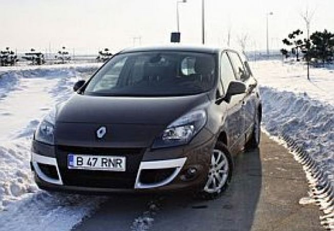 Renault-Grand-Scenic-1-9-dCi