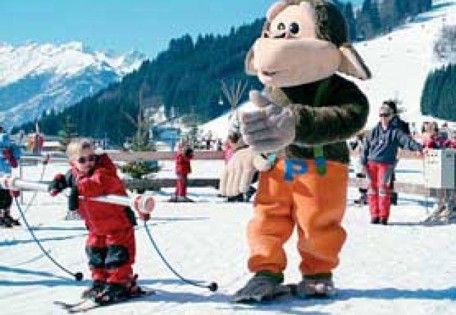 vacanta la schi cu familia
