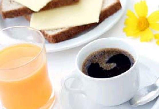 mic dejun cafea