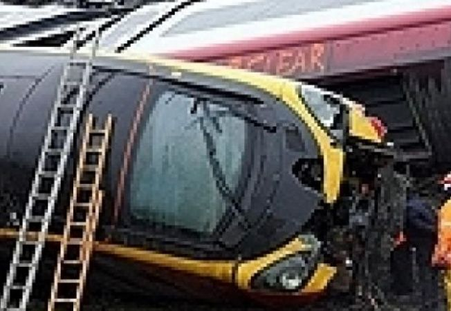 tren deraiat marea britanie