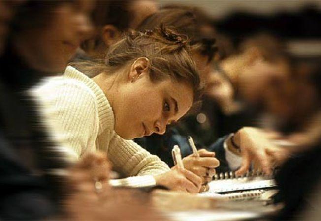 436178 0810 studenti romani