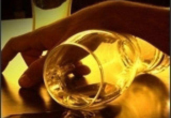 alcool betie pahar