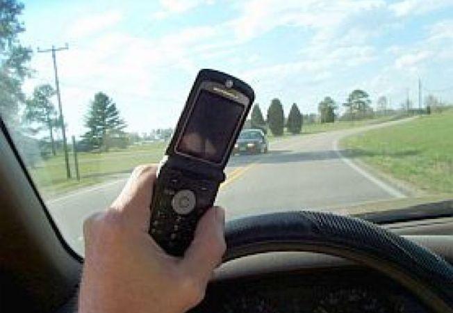Telefon-mobil-volan