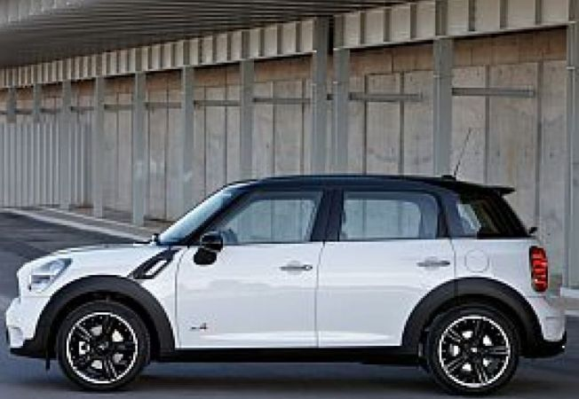 Mini-Countryman-John-Cooper