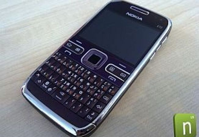 Nokia-E72-Purple