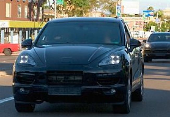 Porsche-Cayenne-Hybrid