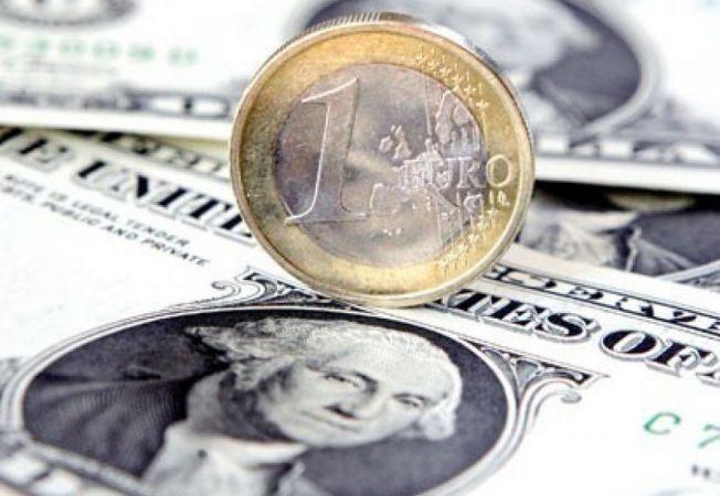 633426 0901 ap euro dollar