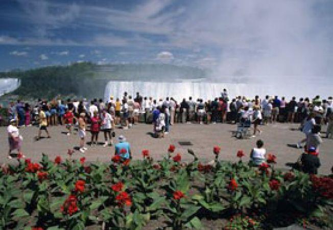 turisti la Niagara