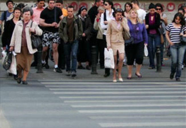 romani oameni strada