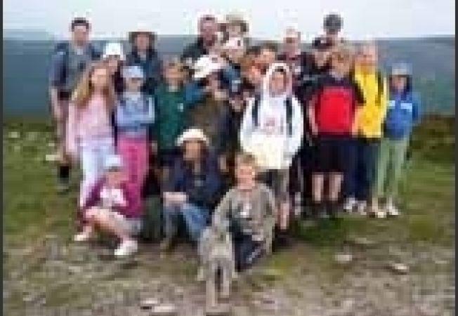 grup munte tineri