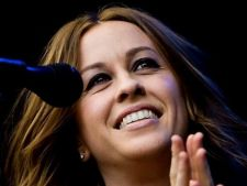 Alanis Morissette are noutati: turneu in UK si album nou