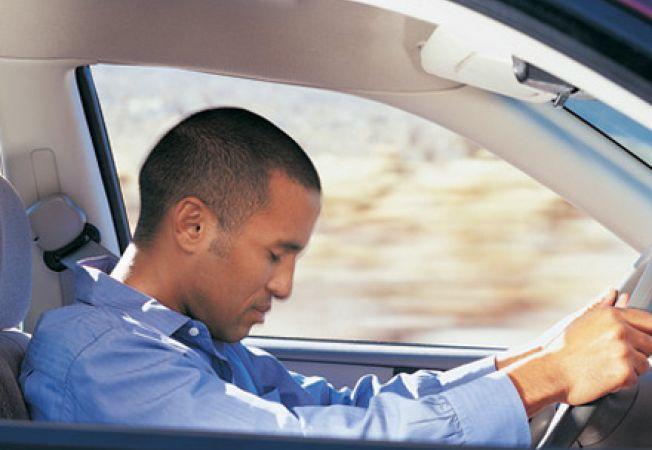poti sa slabesti conducand o masina