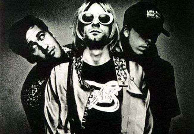 "Nirvana relanseaza ""Smells Like Teen Spirit"""