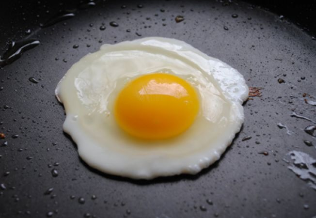 3 modalitati de a pregati oua ochiuri perfecte