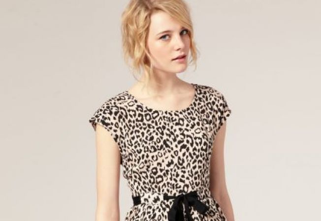 Animal print, din nou in voga : 4 piese chic