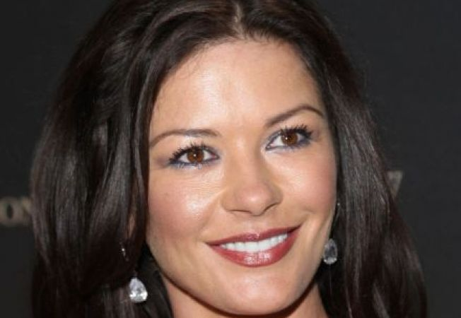 Catherine Zeta-Jones, internata din nou intr-o clinica de psihiatrie