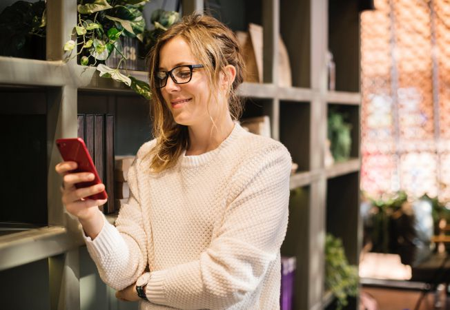 Femeia care cauta virtual