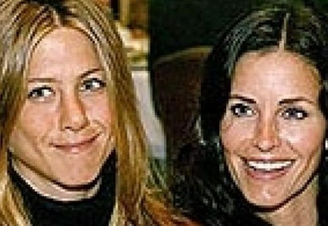 Aniston si Courteney Cox