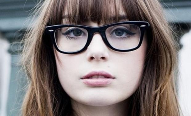 New York pe focuri de picioare gânduri pe Porti ochelari de vedere? Iata 7 trucuri pentru un machiaj perfect!